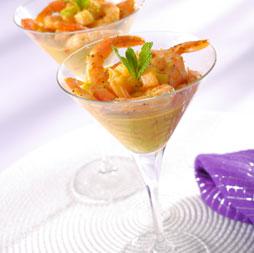 Салат коктейль с креветками и дыней