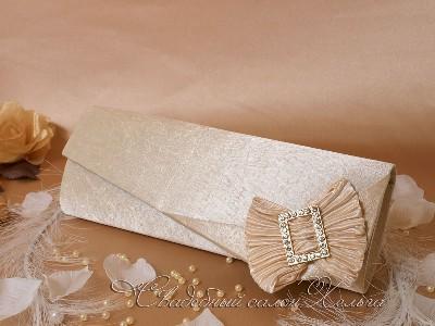 сумочка клатч цвета слоновой кости