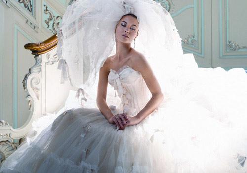 Свадебное платье сезон 2011 с корсетом
